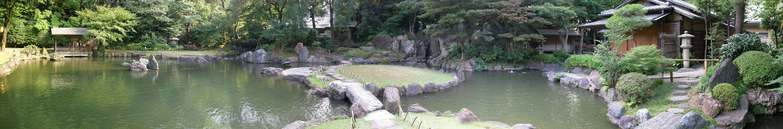 靖国神社神池・庭園